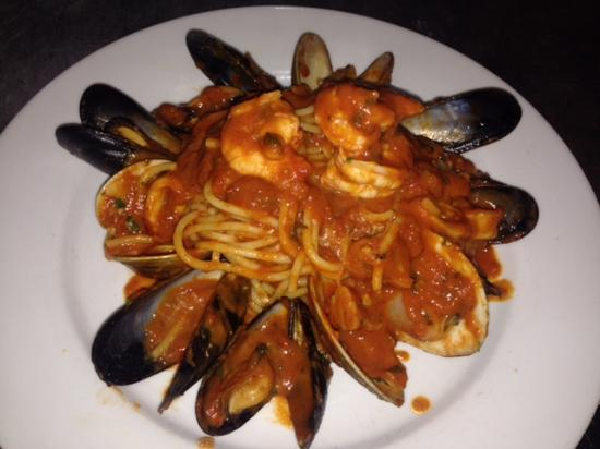 Whitestone, Νέα Υόρκη: Mussels and spaghetti