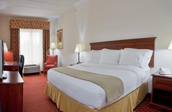 Lecanto, FL: King Bed Guest Room