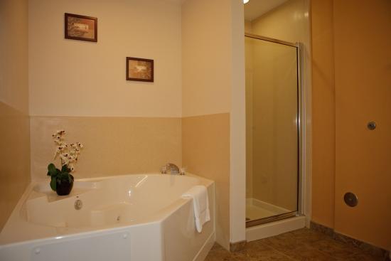 Lecanto, FL: Luxurious Spa Tubs availbale
