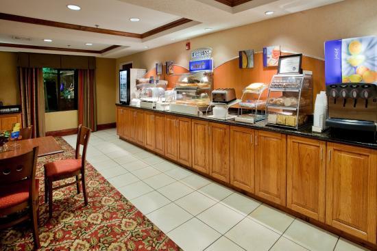 Kinston, NC: Breakfast Bar