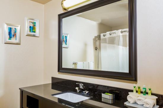 Westampton, NJ: Newly Renovated Guest Bathroom
