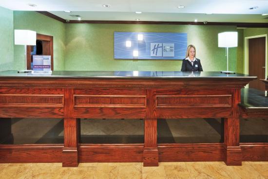 McAlester, OK: Front Desk