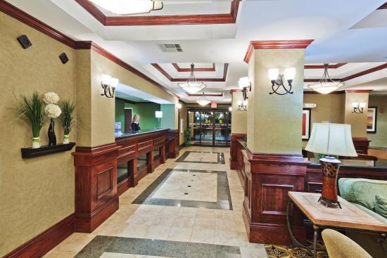 McAlester, OK: Hotel Lobby