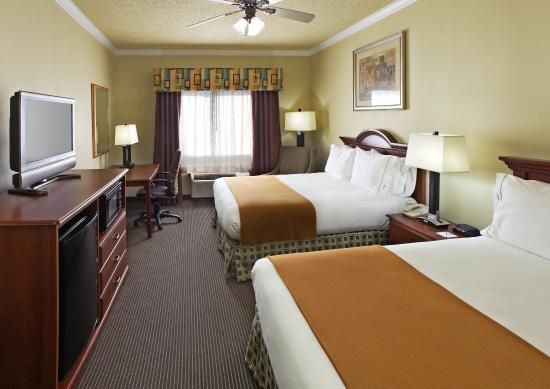 Holiday Inn Express Greenville: Two-Bedded Rooms Feature Two Queen Beds