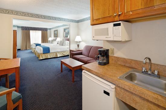 Lancaster, OH: Suite