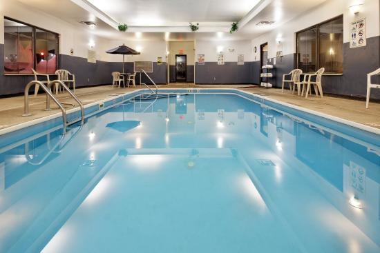 Lancaster, OH: Swimming Pool