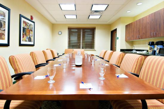 Central Point, OR: Well appointed boardroom with conference telephone