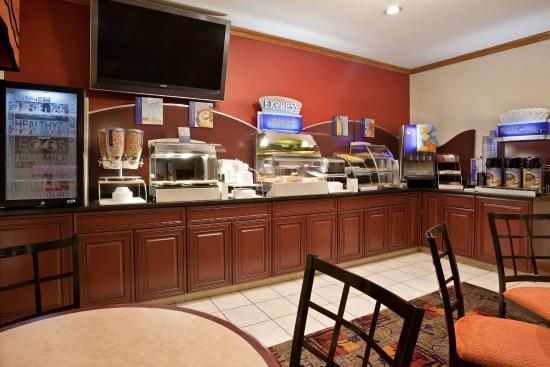 Kendallville, IN: Breakfast Area