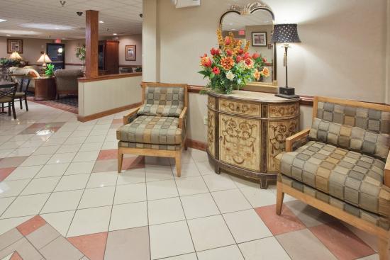 Laurinburg, Karolina Północna: Hotel Lobby
