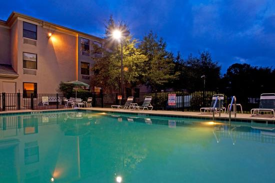 Holiday Inn Express - Ocala Midtown Medical - US 441: Sunset at the Pool