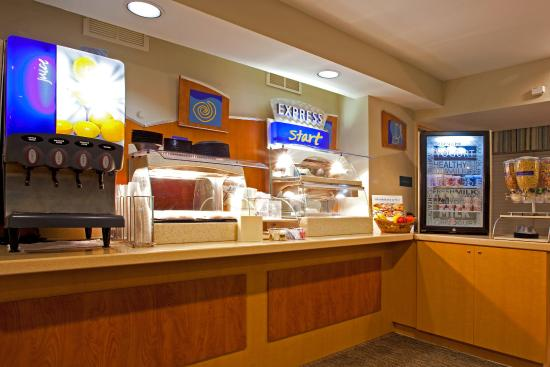 Holiday Inn Express - Ocala Midtown Medical - US 441: Express Start Complementary Breakfast