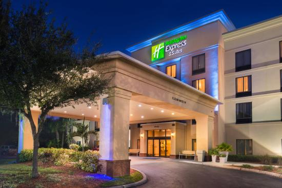 Holiday Inn Express Hotel & Suites - Veteran's Expressway: Hotel Exterior