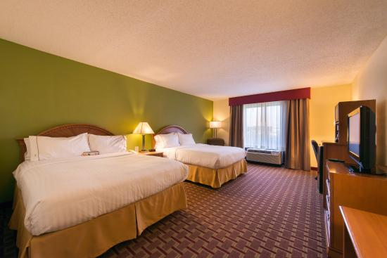 Holiday Inn Express Hotel & Suites - Veteran's Expressway: Business Class Two Queen Room