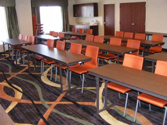 Muskogee, OK: We offer over 900 square feet of meeting space.