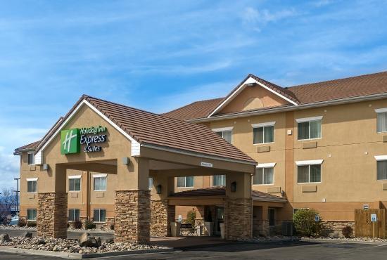 Holiday Inn Express Hotel & Suites Sandy: We welcome you to the Holiday Inn Express & Suites in Sandy, UT