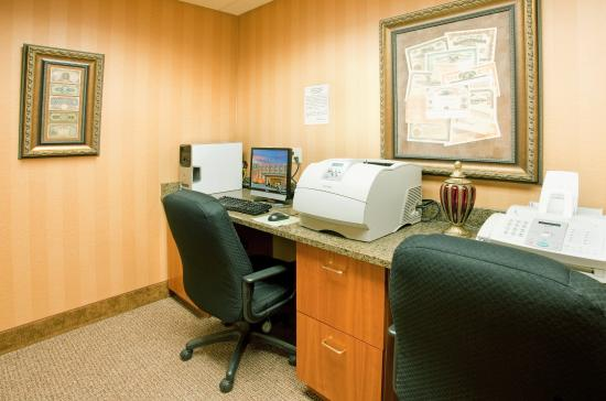 Hastings, NE: Business Center
