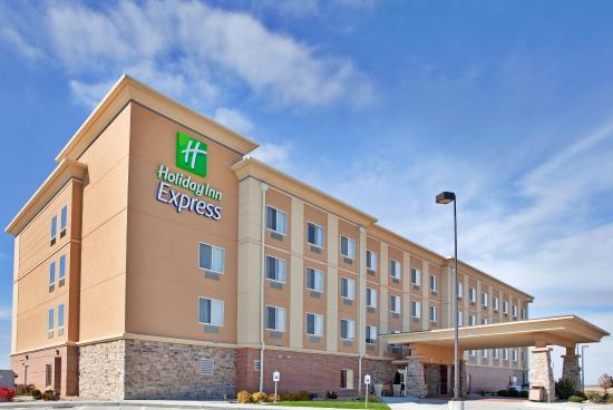 Hastings, NE: Hotel Exterior