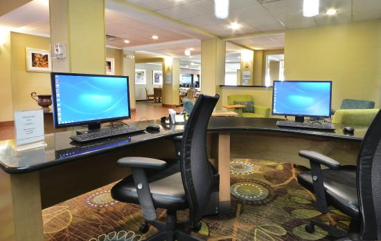 Holiday Inn Express & Suites High Point South: Our business center is well-equipped for your work.