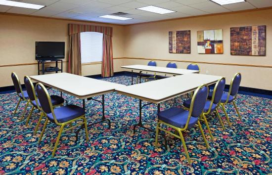 Holiday Inn Express Hudson-I-94: Meeting Room