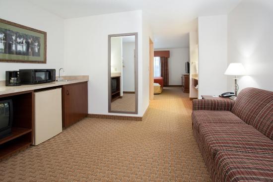 Ogallala, NE: Suite