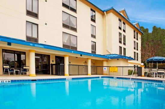 Holiday Inn Express Hotel & Suites Jacksonville South: Swimming Pool