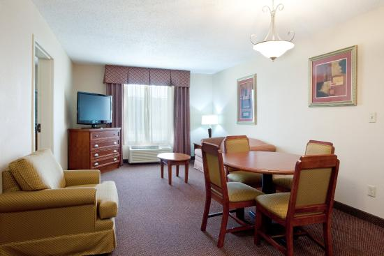 "Holiday Inn Express & Suites- Sulphur (Lake Charles): Club Suite w/wet bar, 42"" LCD TV, Separate King Bedrm, Living Rm"