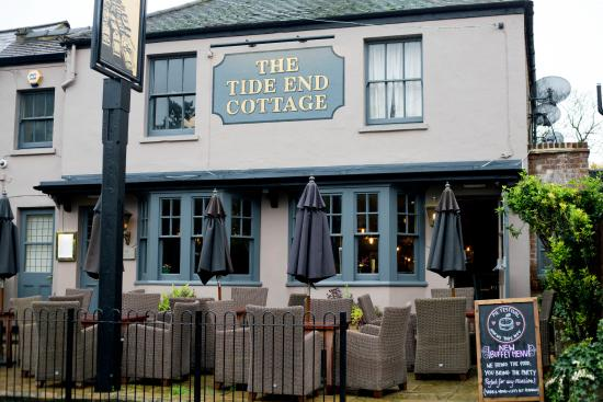 The Tide End Cottage Pub