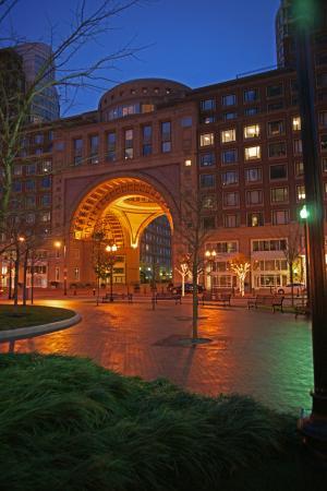 Boston Harbor Hotel: Exterior At Night