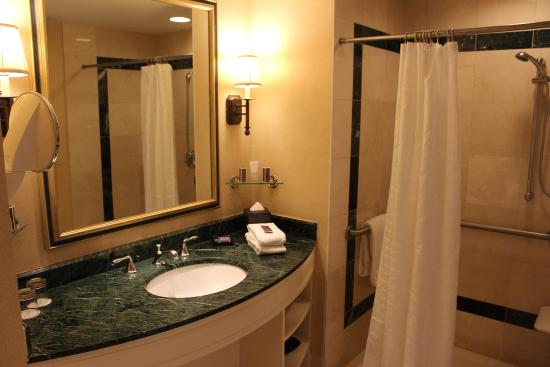 Boston Harbor Hotel: ADA Sink Area