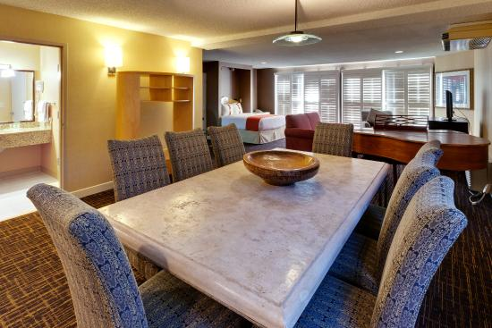 Holiday Inn Hotel Dublin-Pleasanton Executive Suite
