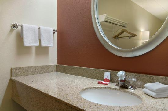 Roseville, ميتشجان: Bathroom