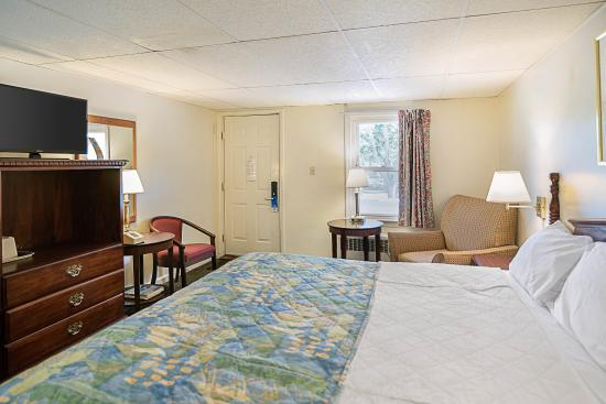 Westminster, MA: Guest room