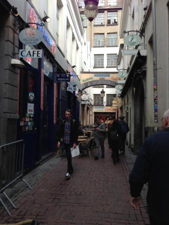 Brussels Walking Tour by Global Enterprises Tours