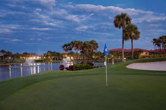 PGA National Resort and Spa: Golf Scenic Dawn