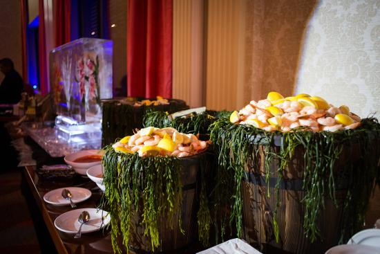 Grand Summit Hotel: Seafood Display Banquet Events