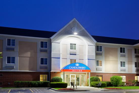 Libertyville, IL: Come Relax at the Candlewood Suites
