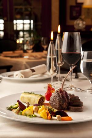 Hotel Grand Pacific: Casual And Fine Dining Restaurants