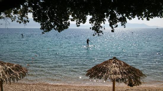 Porto Galini Seaside Resort & Spa: Διασκέδαση στα καταγάλανα νερά απο το πρωί μέχρι το  μεσημέρι..