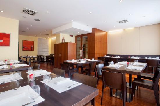 Holiday Inn Milan - Garibaldi Station: Restaurant Butterfly