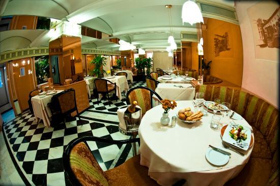 Brunelleschi hotel milano italien hotel anmeldelser for Brunelleschi hotel milano