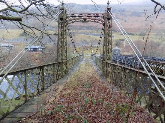 Newbridge-on-Wye, UK: bridge at élan vally