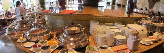 Sheraton Hotel\'s Spacious Dining Room for Buffet Breakfast ...