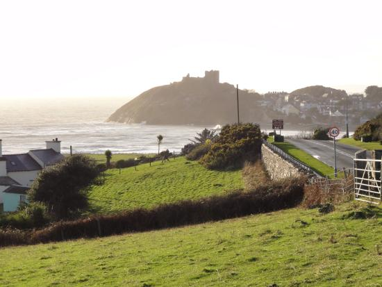 the approach to Criccieth