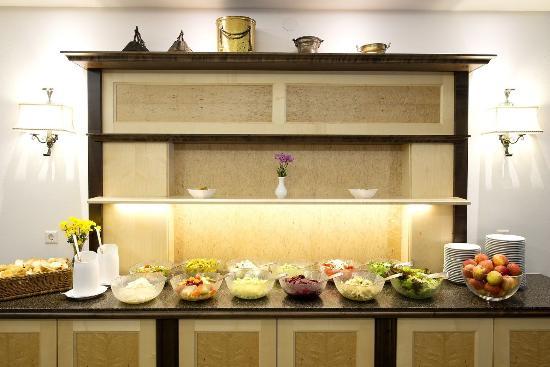 Stoll's Hotel Alpina: Buffet