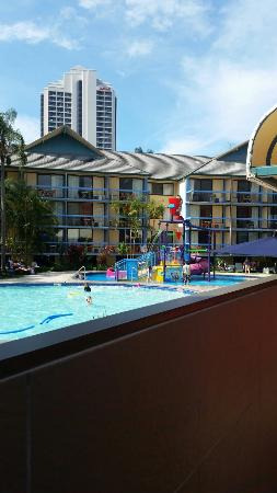 Paradise Resort Gold Coast: 20160127_142812_large.jpg