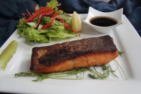 Pohara, New Zealand: Crispy Skin New Zealand King Salmon