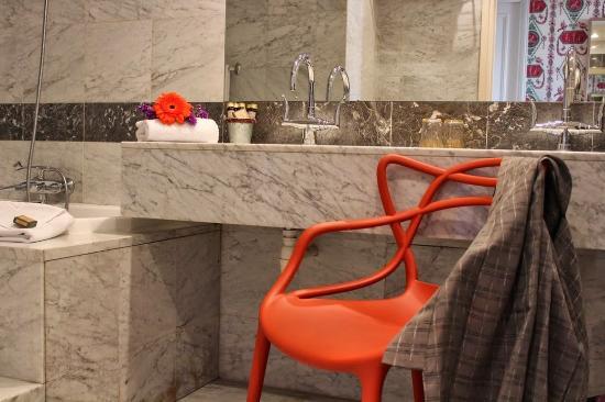 Hotel Prince de Conde: Bathroom
