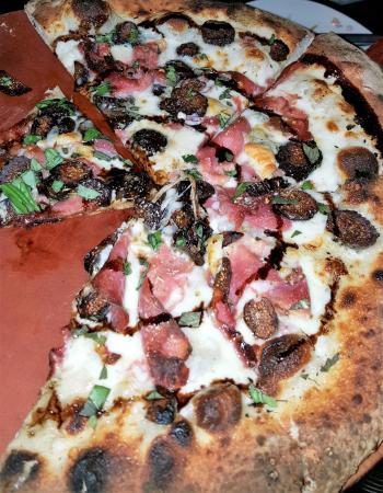Wauconda, إلينوي: No 13:  cream | imported prosciutto | gorgonzola | italian figs | balsamic glaze |