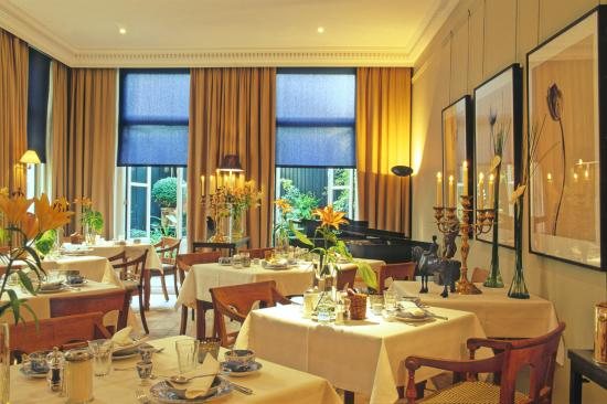 Hotel Seven one Seven: Strawinsky Room