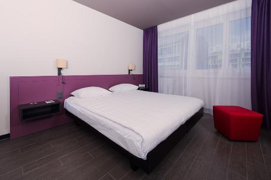 Hôtel Les Nations : Guest Room